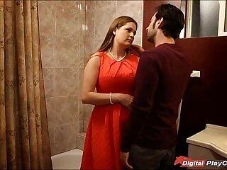 bathroom-milfs-pounding