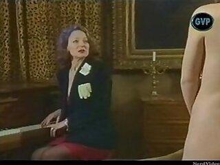 girl-lady-mature-older woman