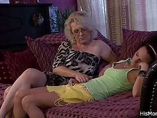 cunt-licking-mommy-pussy-wet pussy