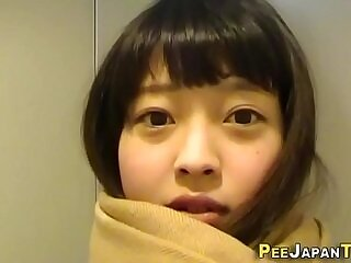 cute-girl-japanese-peeing-shower-teens