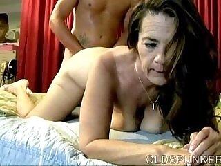 babe-enjoying-fuck-girl-kinky-mature