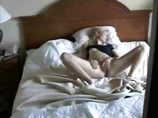 cams-caught-cute-girl-hidden camera-masturbation