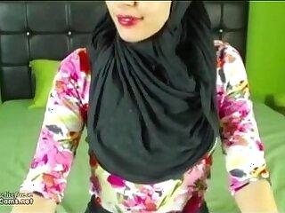 arab-masturbation-pussy-webcam