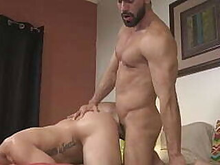 gay-master-muscle