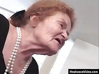 blowjob-dirty-gilf-grandma-granny-horny