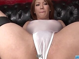 beauty-dick-insertion-japanese-pussy
